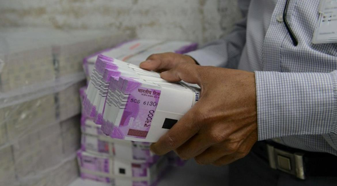 Demonetisation: Withdrawal caps may be upped to Rs 4,000 a day, 40,000 a week