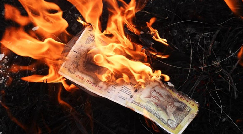 Demonetisation: Hindu seers, ascetics criticise Modi's move for cashless economy
