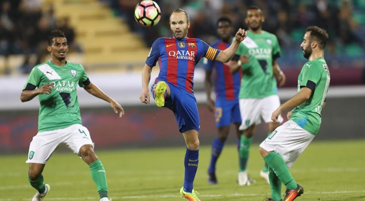 Iniesta keen to extend Barcelona contract