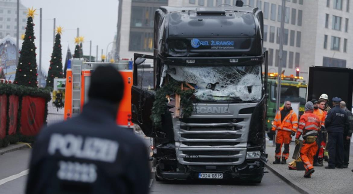Berlin truck attack: German police seek Tunisian man