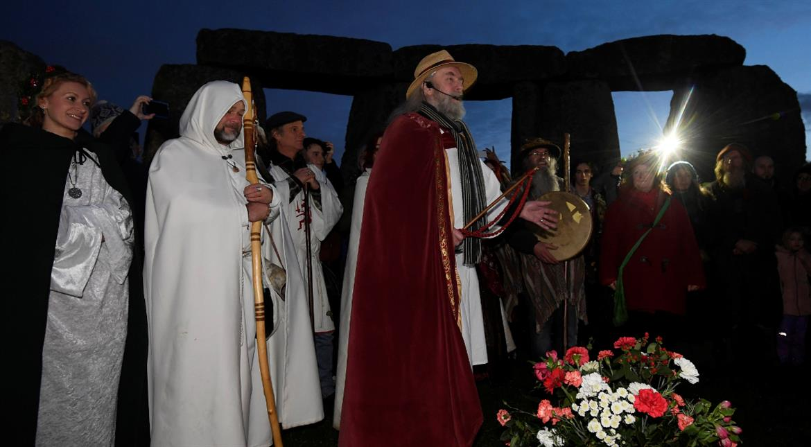 Over 5000 gather at Stonehenge to celebrate Winter Solstice