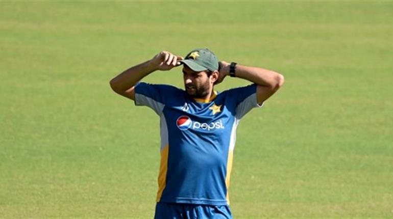 Shahid Afridi appeals to Narendra Modi over the detention of Indian fan