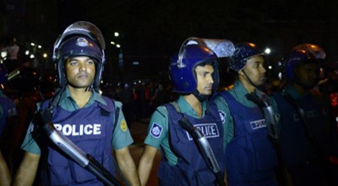Bangladesh: 5 'Islamist group' men planned Dec 31 attacks