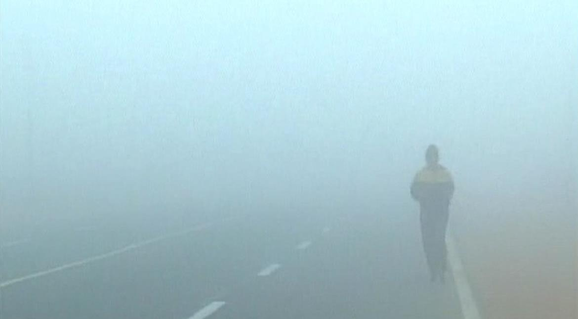 North India wakes up to another foggy morning