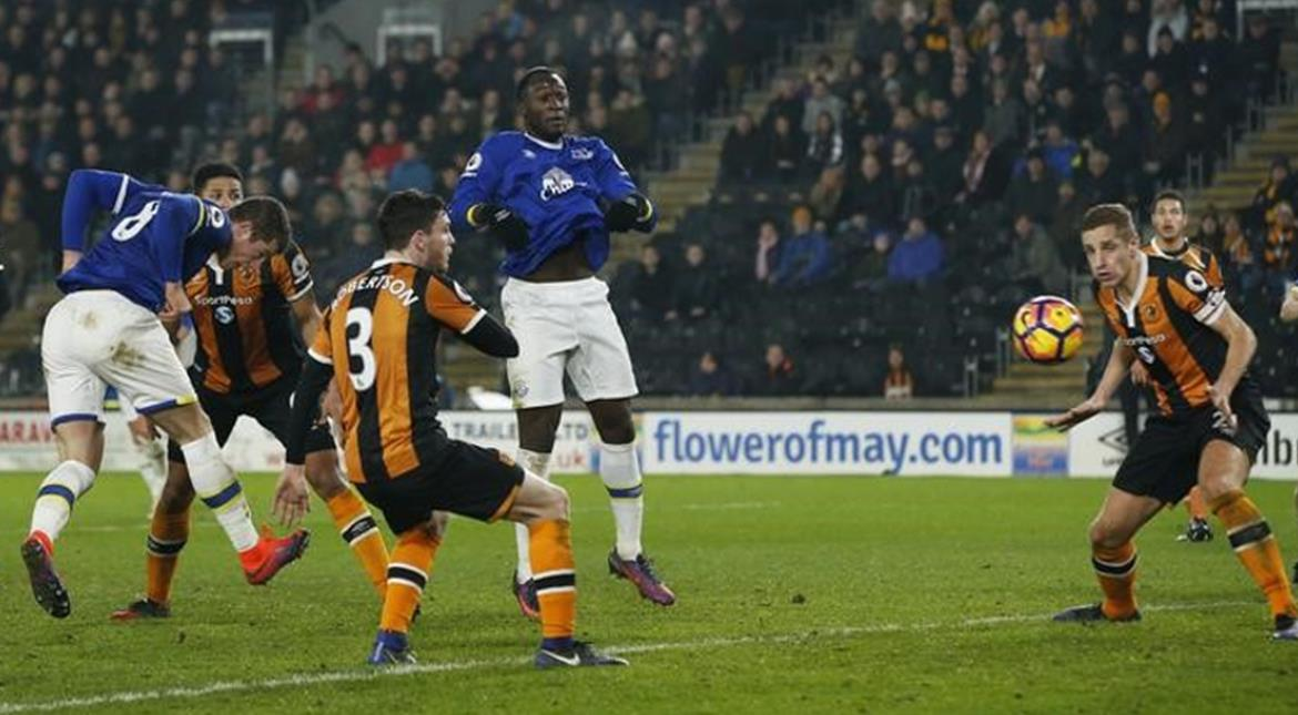 Football: Everton's Barkley scores equaliser at Hull City