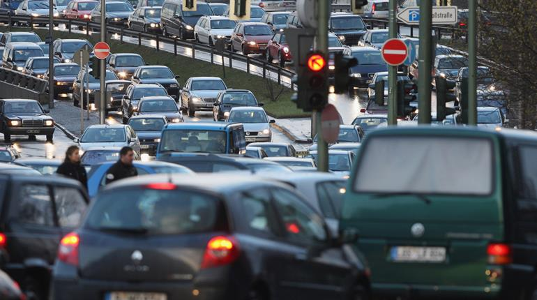 Closer you live to busy road, higher the chance of dementia