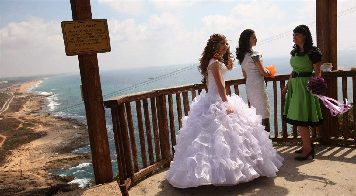 Lebanese women protest law encouraging rapist to marry their victim