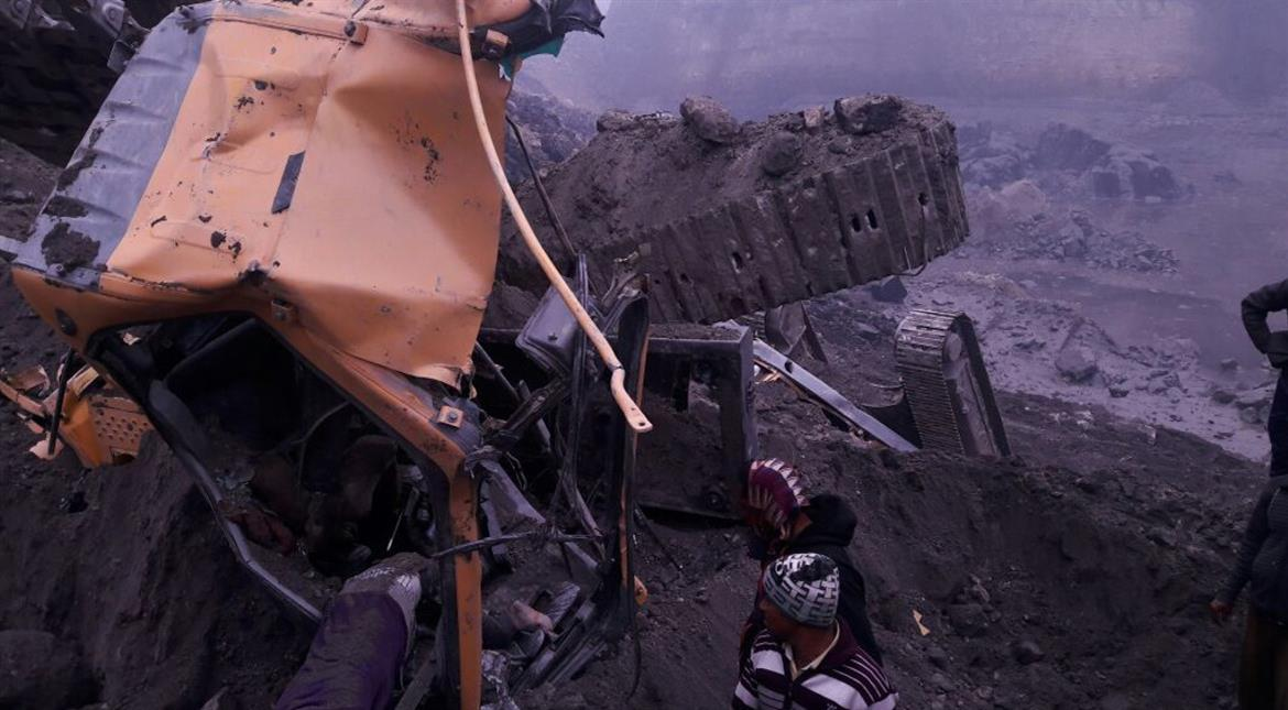 India mine collapse: Toll rises to 17, rescue efforts continue