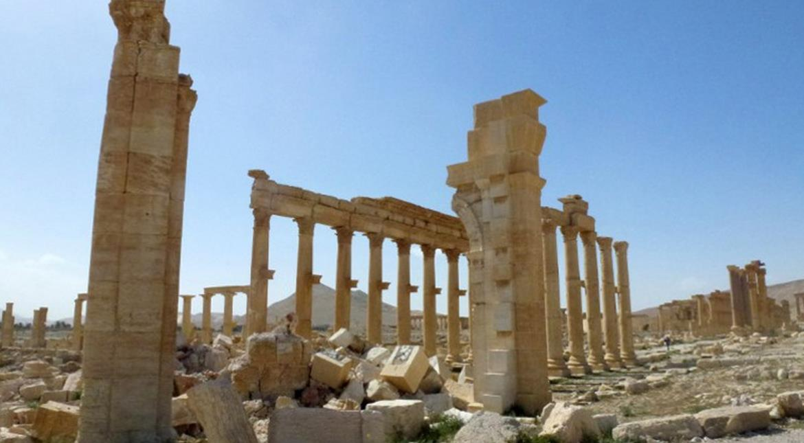 IS regains 'full control' of Palmyra after Syria army withdrawal