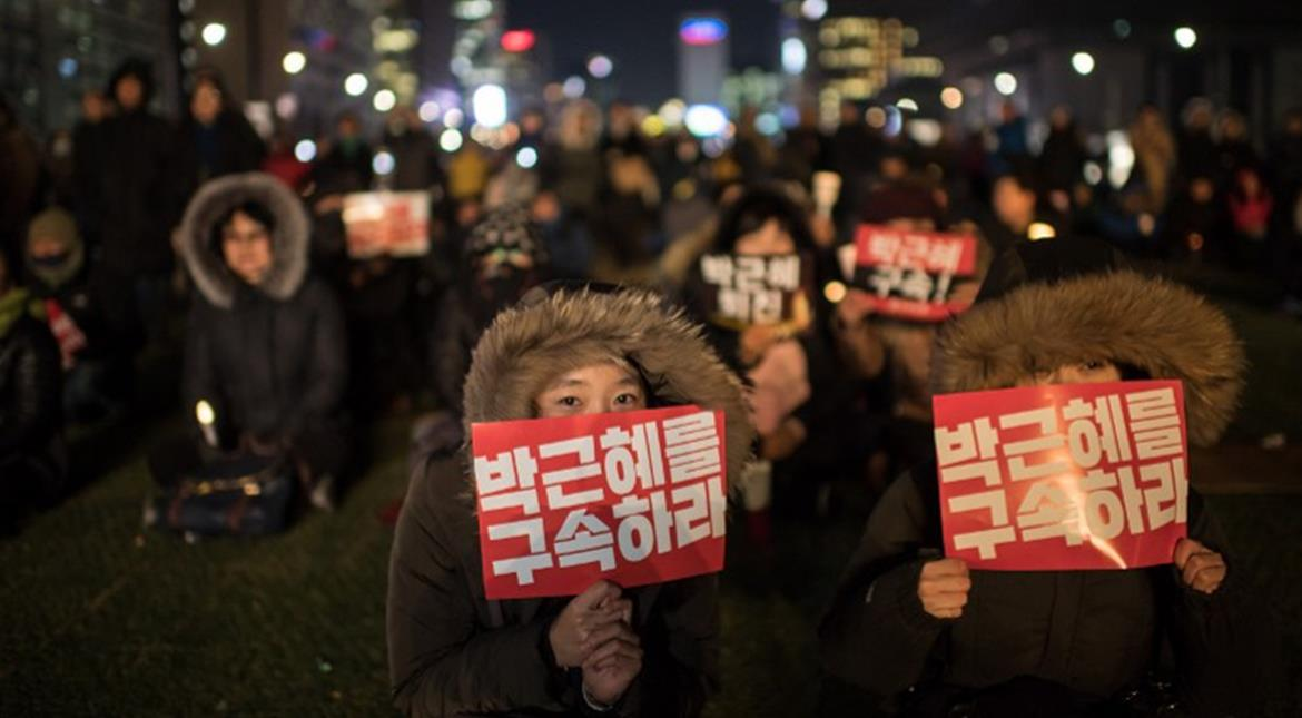 South Korea: Thousands protest to demand President Park Geun-Hye's immediate resignation